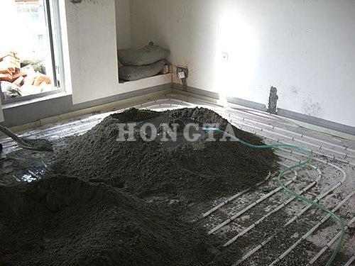地暖安装示意图:混凝土淋水